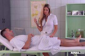 Enfermeira gostosa fodendo com paciente