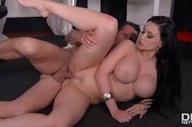Porno completo secretária peituda trepando com chefe