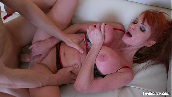 Porno ruiva peituda gostosa sendo fodida e gozada