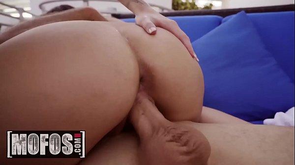 Sexo boafoda amigas rabudas sentando na giromba de seu vizinho