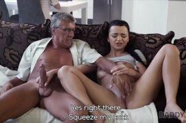 Sexo entre neta e avô