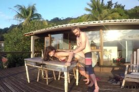 Sexo na praia com a esposa