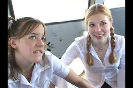 Transando dentro do ônibus da escola