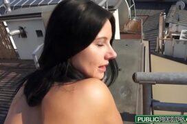 Videos caseiro de putaria com rapaz fodendo a gata morena