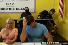 Videos porno com uma tetuda sensacional que fode muito