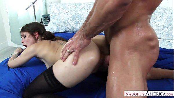 Vidio de sexo com ninfetinha branquinha transando