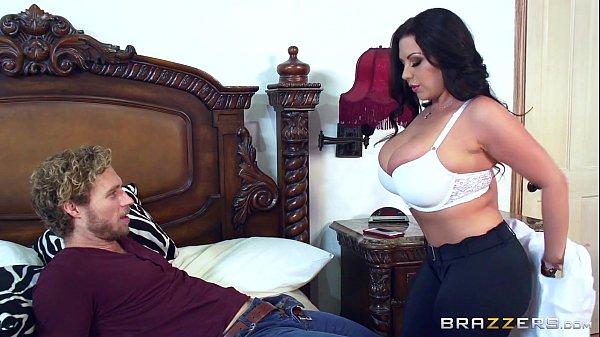 Baixar videos de sexo com uma mulher de tetas grandes