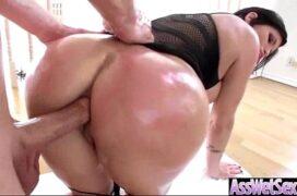 Cuzuda maravilhosa fazendo sexo anal de quatro