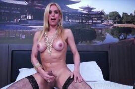 Lindas travestis sensualizando no motel
