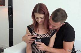 Porno mobile vendo a xota da garota e metendo o pau
