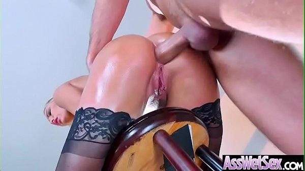 Sexo anal no bumbum gostoso da loirinha rabuda