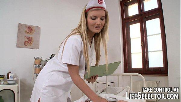 Transando bem gostoso com enfermeira