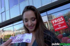 Videos sexo dando dinheiro para transar com uma garota linda