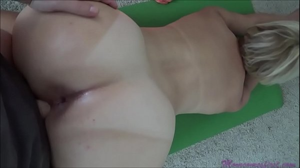 Esposa gostosa cuzuda fodendo no pelo