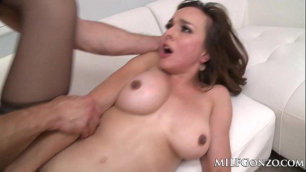 Free porn socando gostoso na xota da morena gata
