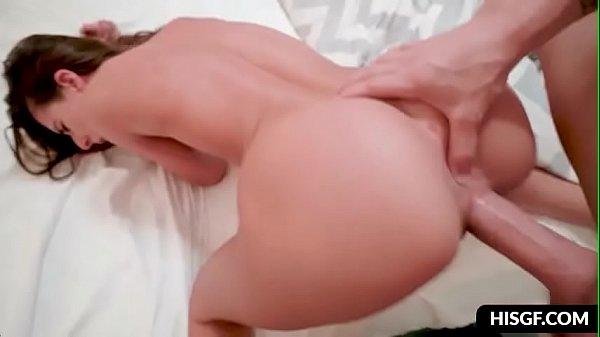 Metendo na buceta e atolando o dedo no cu