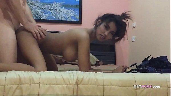 Sexo amador com novinha peituda gostosa