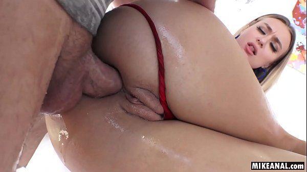 Sexo anal HD com loira cuzuda de buceta carnuda
