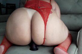 Sexo zap da rabuda com consolo na buceta