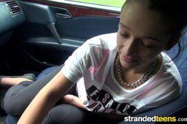 X hasmater jovem safada em transa dentro do carro