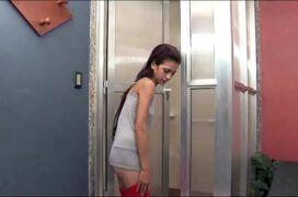 Magrinha sendo lascada pelo namorado