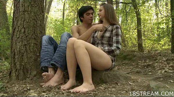 Transa gostosa no meio do mato