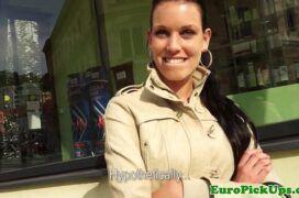 Xxxx videos de moreninha linda mostrando os peitos e transando até receber gozada