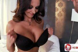 Porno xvideo de peituda em filme porno fodendo