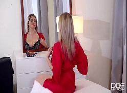 Kabine das novinhas sexo gostoso quente com loira linda