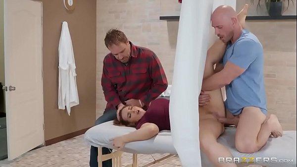 Porno xvideo com corno levando sua mulher no ginecologista
