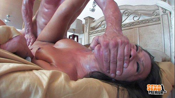 Sampa porn socando forte em uma vadia do porno