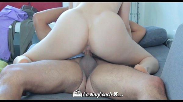 Porno sensual transando no pelo com uma morena safada