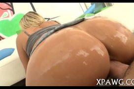 Xxxvideo rabuda melada de oleo no cu ficando excitada