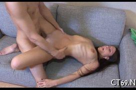 Filme de sexo gratis com a putinha que leva rola e goza