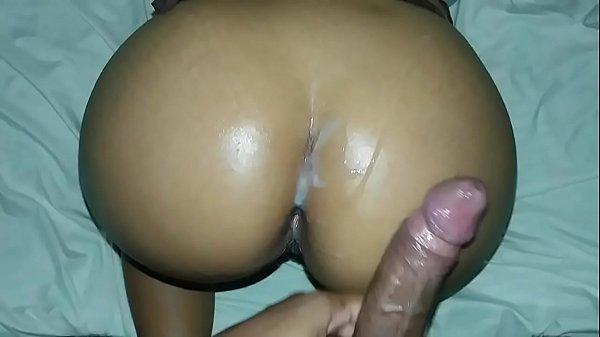 Sexo mulhers socando o martelo cabeçudo na bunda da vadia